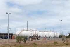 Depósitos de gasolina diesel blancos Imagenes de archivo