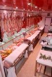 Departamento de la carne con las salchichas italianas típicas Imagen de archivo libre de regalías