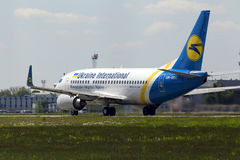 Departing Ukraine International Airlines Boeing 737-300 aircraft Stock Image