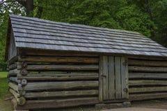 Dependencias viejas de los colonos en valle de la ensenada de Cades en Tennessee Smoky Mountains fotos de archivo libres de regalías