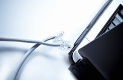 depeszuje interneta laptop obraz stock