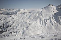 Deporte de invierno en el centro turístico austríaco Montafon Foto de archivo