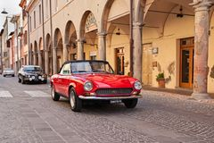 Deporte italiano de Fiat 124 del coche del vintage Fotografía de archivo