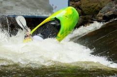 Deportes acuáticos competentes en el río de la paloma. Imagen de archivo libre de regalías