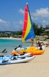 Deportes de agua en una playa carribean Imágenes de archivo libres de regalías
