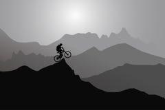 Deportes extremos jugador, montañas, puesta del sol Foto de archivo libre de regalías