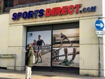 Deportes tienda directa, Londres fotos de archivo