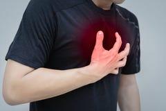 Deportista que tiene un ataque del corazón después de trabajo sin rotura imágenes de archivo libres de regalías
