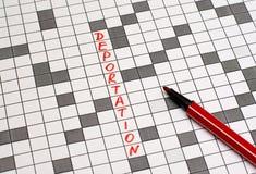 deportowany Tekst w crossword list czerwony zdjęcia royalty free