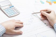 Depositando, taxando e todas as coisas relativas com o mundo da finança Fotografia de Stock
