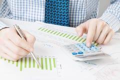 Depositando, taxando e todas as coisas relativas com o mundo da finança Imagens de Stock Royalty Free