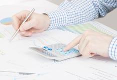 Depositando, taxando e todas as coisas relativas com o mundo da finança Fotos de Stock