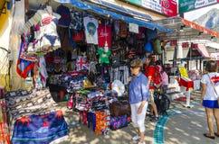Depositi e negozi del beachwear del tailandese fotografia stock libera da diritti