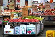 Deposito all'aperto della frutta Fotografie Stock