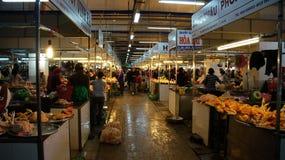 Deposito del pollo nel mercato dell'agricoltore di Dalat Immagini Stock