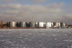 Deposito del prodotto chimico e del petrolio e serbatoi Immagine Stock Libera da Diritti