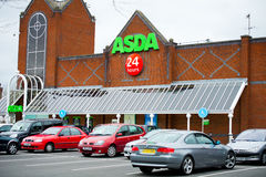Deposito di Asda a Manchester, Inghilterra Fotografia Stock