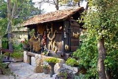 Deposito di legno tradizionale dell'essiccatore del cereale Immagine Stock Libera da Diritti