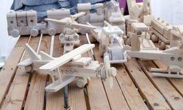Deposito piano fatto a mano di legno dei modelli del giocattolo dell'elicottero Fotografie Stock