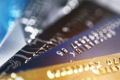 Depresja kluczowy makro- strzał z kartą kredytową, contactless zapłaty obraz stock