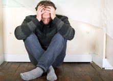 Depressão muito triste do homem Imagens de Stock