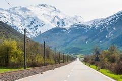 Depressione della strada le alpi Immagine Stock