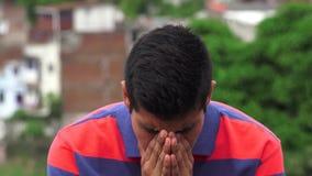 Depressione e preoccupazione di dispiacere di mancanza di speranza stock footage