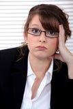 Deprimerad affärskvinna fotografering för bildbyråer