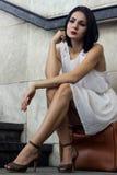 Deprimerad kvinna i tunnelbana Arkivbilder