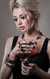 Deprimierende Frau mit Glas Wein Lizenzfreies Stockfoto