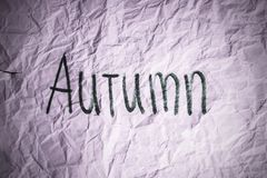 Deprimierendes Herbstwort Stockfoto