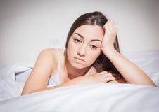 Deprimierte Frau der Schlaflosigkeit Lizenzfreie Stockbilder