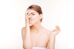 Deprimierte Frauenholdingpillen Lizenzfreies Stockfoto