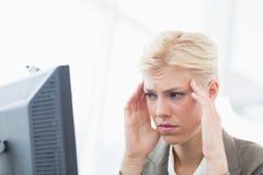Deprimierte Geschäftsfrau Lizenzfreies Stockbild