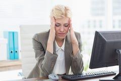 Deprimierte Geschäftsfrau Lizenzfreie Stockfotografie