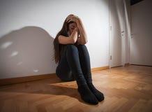 Deprimierte junge Frau Lizenzfreie Stockbilder