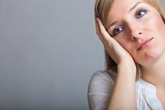 Deprimierte, traurige Frau Lizenzfreies Stockfoto