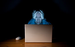 Deprimierter Computerkerl Stockfoto