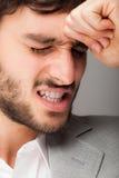 Deprimierter Geschäftsmannabschluß oben Stockfoto