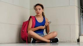 Deprimierter junger verschiedener Student Studnt Stockfotos