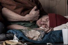 Deprimierter Mann auf der Straße Stockfotografie