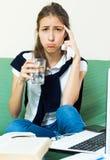 Deprimierter weiblicher Student Lizenzfreies Stockbild