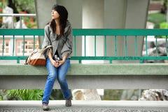 Deprimiertes Art und Weisemädchen Stockfoto