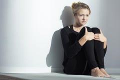 Deprimiertes junges Mädchen Lizenzfreie Stockfotografie