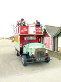 Deptak zabawy autobus Na morzu. Zdjęcie Royalty Free