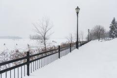 Deptak zimy sceny miasto St Eustache Zdjęcia Royalty Free