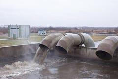 Depuradoras de aguas residuales  imagen de archivo libre de regalías