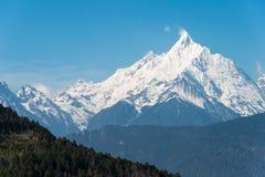 DEQIN, CHINA - 16. MÄRZ 2015: Meili-Schnee-Gebirgsnaturreservat Lizenzfreie Stockbilder