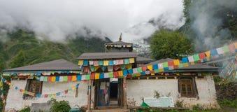DEQIN, CHINE - 5 août 2014 : Temple de Lianhua au glacier de Minyong a Images stock