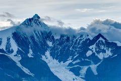 DEQIN, CHINE - 3 août 2014 : Vue de soirée de la montagne N de neige de Meili Photo stock